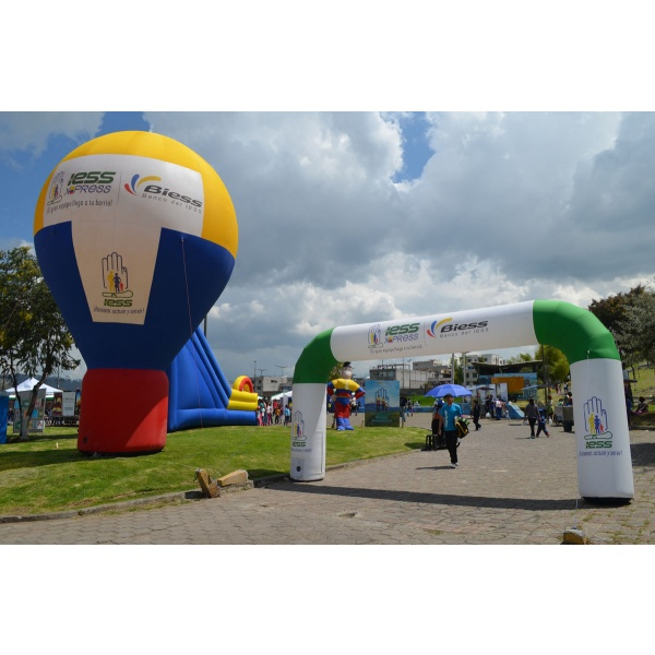 alquiler de carpas, cilindros, arcos y otros inflables publictarios